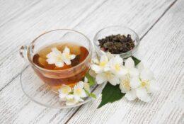 13 Surprising Health Benefits of Jasmine Tea